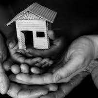 Η  στέρηση του κατόχου γης από την περιουσία του χωρίς καταβολή αποζημίωσης παραβιάζει το δικαίωμα στην  ιδιοκτησία του.