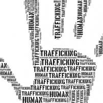 Απαιτείται άμεση κινητοποίηση της αστυνομίας και της δικαιοσύνης για προστασία θύματος σωματεμπορίας.