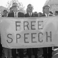 Η ευθύνη του δημοσιογράφου για τις απαντήσεις όταν παίρνει συνεντεύξεις και το δικαίωμα στην ελευθερία  της έκφρασης