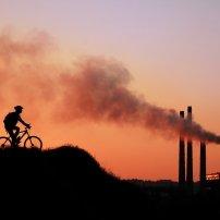 Η αποτυχία των αρχών στο πεδίο της προστασίας από τη ρύπανση  παραβιάζει το σεβασμό  της ιδιωτικής ζωής